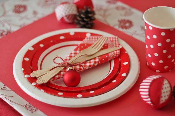 クリスマステーブルコーディネートを100均の紙皿・ナプキンで素敵に!