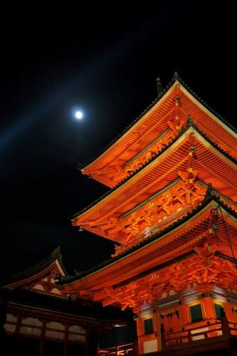 kiyomizutera-lighting-up-2