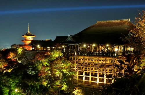 kiyomizutera-lighting-up-4