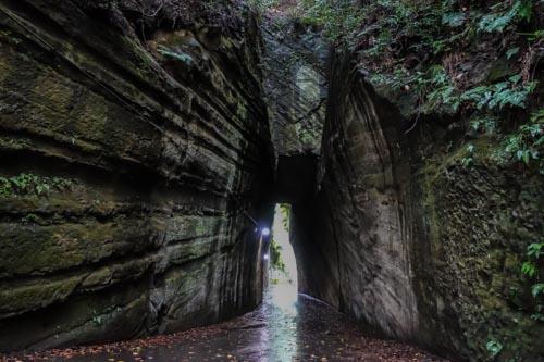 千葉県富津市の燈篭坂大師の切通しトンネルアクセス方法!目指す場所や駐車場情報